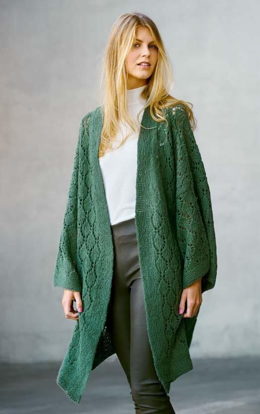Strikket Kimono jakke med hullmønster Strikkegarn og