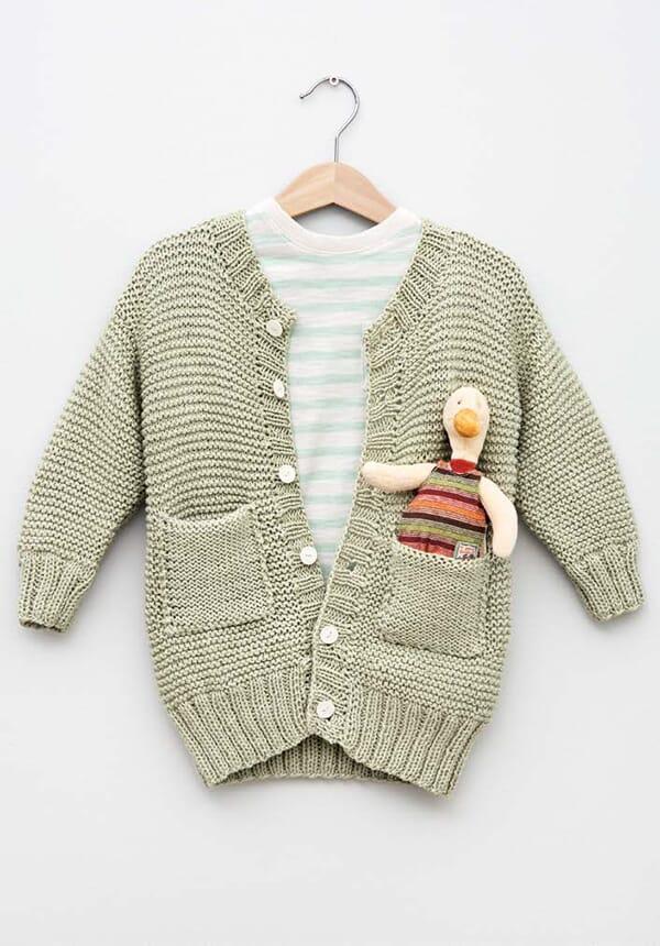 0cc16654 Lang jakke - Strikkegarn og strikkeoppskrifter - TO DAMER